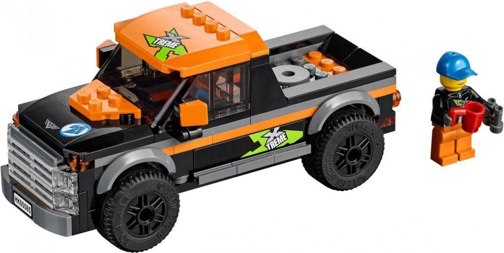 Đồ chơi Lego City with Powerboat 60085 - Xe kéo và ca nô