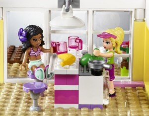 Đồ chơi Lego Friends Stephanie's Beach House 41037 – Nhà Bãi Biển Của Stephanie