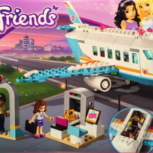 Đồ chơi Lego Friends Heartlake Private Jet 41100 – Máy Bay Du Lịch Vùng Heartlake