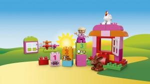 Đồ chơi Lego Duplo all in One Pink Box of Fun 10571 – Trang trại màu hồng