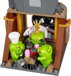 Đồ chơi Lego Angry Birds King Pig's Castle 75826 – Pháo đài của vua Lợn
