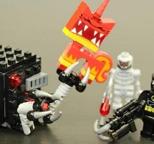 Đồ chơi Lego Movie Batman & Super Angry Kitty Attack– 70817