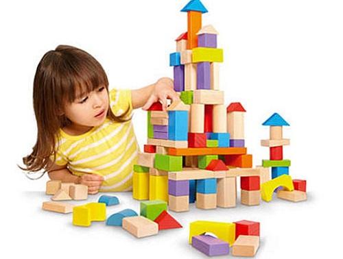 Thận trọng khi mua đồ chơi cho trẻ.