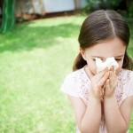 trẻ bị sổ mũi